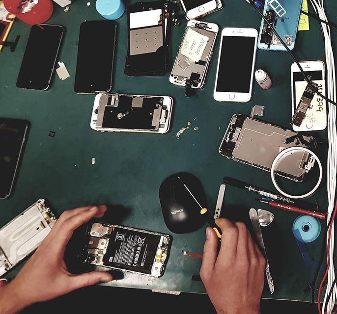 Стоит ли ремонтировать телефон?
